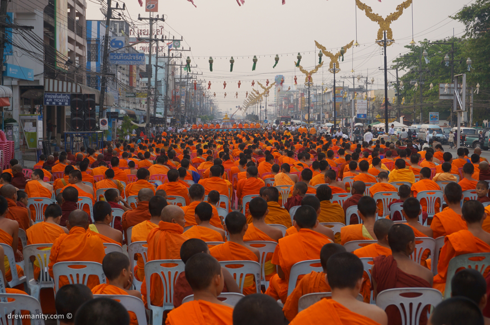 monks in mae sai