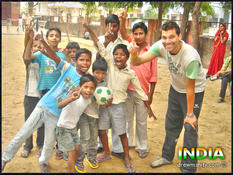 drewmanity-travel-volunteering-india Teaching teamwork through football, Volunteering in the slums of Jaipur India