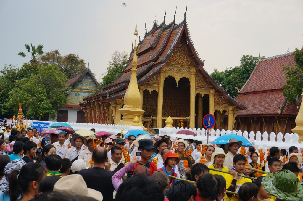 New Years Eve Parade Luang Prabang Laos Tempe wat celibration