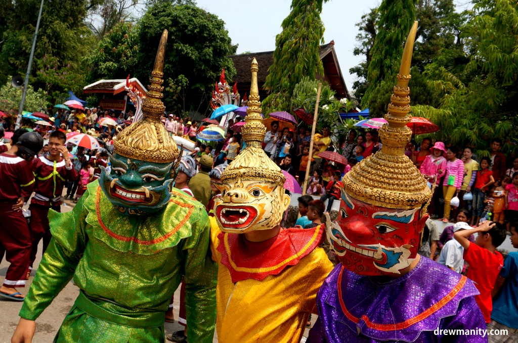 Laos-people-colors-parade-new-years-drewmanity.jpg costume parade