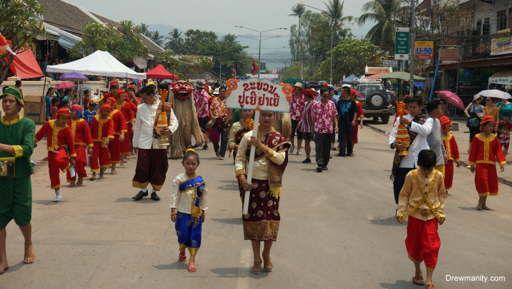 Laos-people-colors-tradition-parade-new-years-drewmanity.jpg