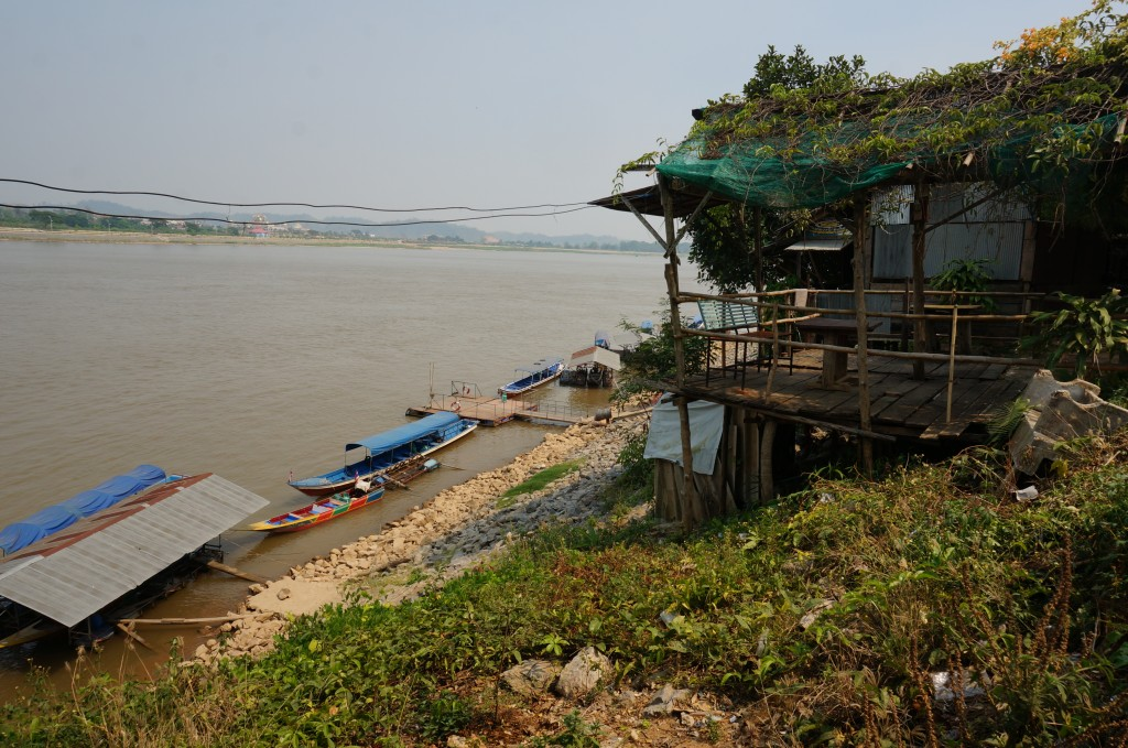 drewmanity.com-golden-triangle-motorbike-ride-thailand-mekong-river